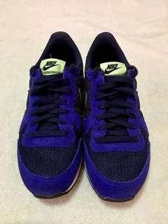 Authentic Nike Internationalist