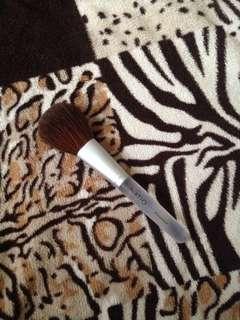 Natio Powder Brush
