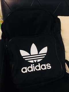 🚚 Adidas黑色背包 二手