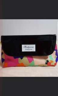 Elizabth Arden Travel Toiletries/Accessories Bag