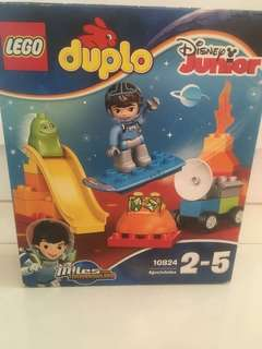 LEGO Duplo miles from Tomorrowland 10824