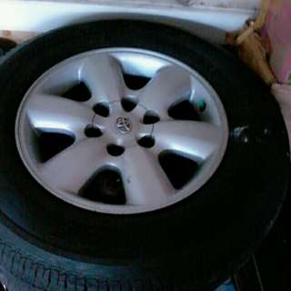 1 set ban bridgestone+velg ring 17 copotan fortuner
