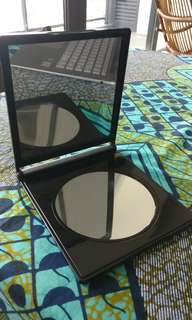 Artistry Make up Mirror