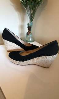 WITTNER Ladies Shoes Size 8 Black Suede Leather Rope Wedge Closed Toe Shoes EC