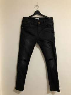 ZARA 34腰 黑色 牛仔丹寧 修身直筒褲 刷色 破壞 縮口 #H&M gap ysL Nike adidas