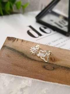 🆕🆕🆕❤️🇰🇷新貨到🇰🇷❤️🆕🆕🆕 韓系流行設計風 #雨過天晴現彩虹耳環~太陽☁️🌈限量特價$990 整個925純銀製、不過敏