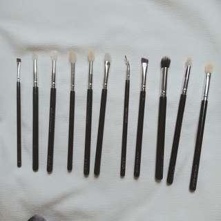 Zoeva eyebrush set (replica