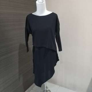 Woman Long Black Shirt