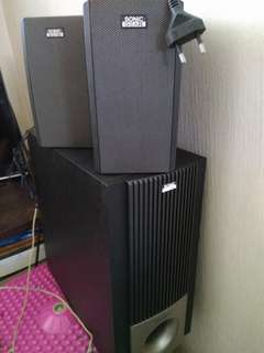 Sonic gear subwoofer and speakers