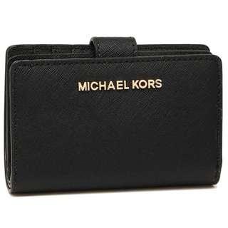 SALES!!!Michael Kors Jet Set Travel Bifold Wallet Black