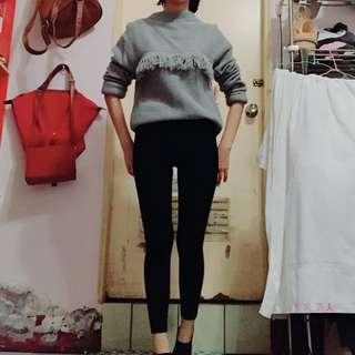 灰色長板毛衣,穿過一次便宜受出,長67cm,肩寬46cm