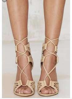 Lipstik Kara Cutout Heels in Natural