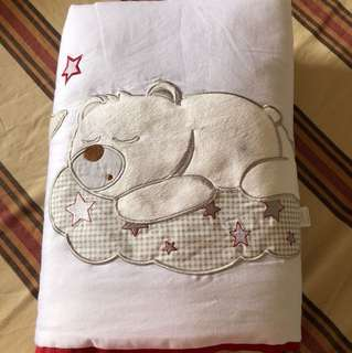 Baby comforter with pillow