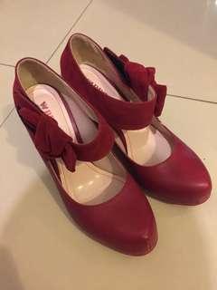 Beso紅色高跟鞋