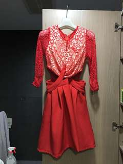🚚 紅色蕾絲露腰洋裝 非常性感 S號