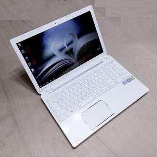 15.6吋 TOSHIBA L50-A i5四代4200M / 2G 獨顯 + 128G SSD 固態硬碟 純白鋼琴烤漆 筆電 僅此一台 Notebook / Laptop !!