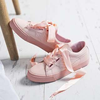 FLASH SALE $20 Brand new pink sneakers