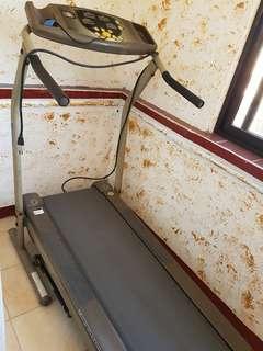 Treadmill navigator