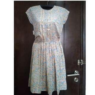 Vintage dress pink
