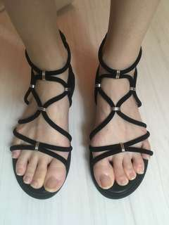 Steve Madden design/ lookalike sandals