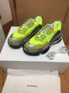 Triple S neon yellow US9