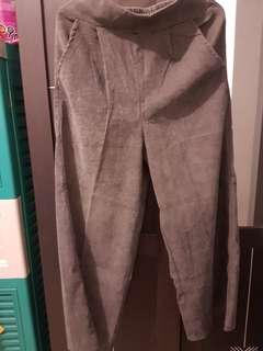 Celana abu2 bludru