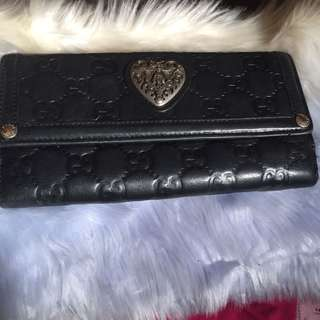 Authentic GUCCI Leather wallet with Serial Numbers