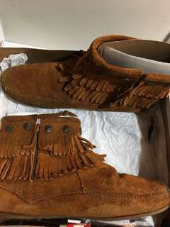 Minnetonka Moccasin Chaffin Ankle Boots