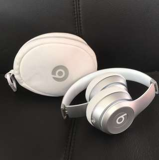 Beats Solo 2 Wireless silver