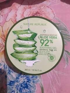 Natural republic aloe vera shoothing gel