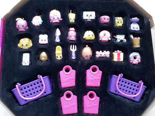 Shopkins set of 24 plus 2 baskets and 4 bags