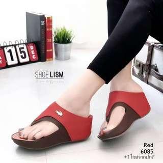 Style Lacoste flipflop sandals