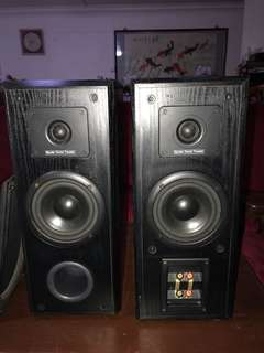Scandyna Speakers front and back