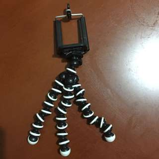 Tripod for cellphone