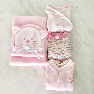 Bundle New blanket and baby cap with Preloved sleepsuits