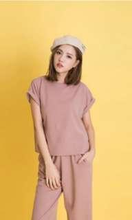 🚚 粉色上衣+長褲