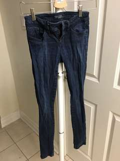 Guess Dark Wash Skinny Jeans size 25