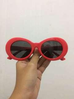 kacamata kurt