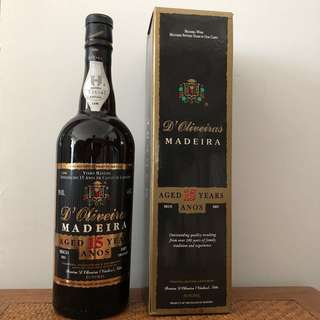 D'Oliveiras Madeira wine dry, 15 Years Old