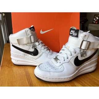 所有商品皆可議價‼️ 極少穿 Nike Air Lunar Force 1 經典款絕版增高鞋 范冰冰代言