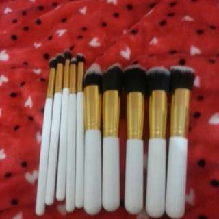 10pc Brush Set with free eyebrow brush
