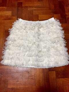 NEW GAP white ruffle skirt