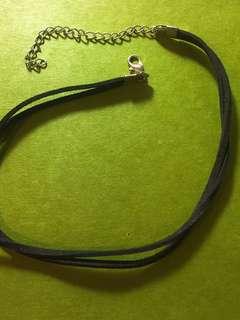 🚚 黑色頸鏈