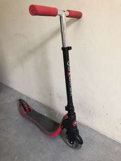 Globber Scooter Flow 125