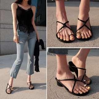 韓國東大門女鞋歐美時尚顯瘦名媛套趾細帶拖鞋粗跟涼拖度假羅馬女