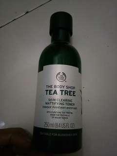 The body shop tea tree skin clearing mattifing toner