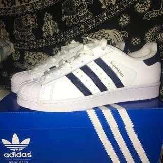 RUSH!! Adidas Superstar