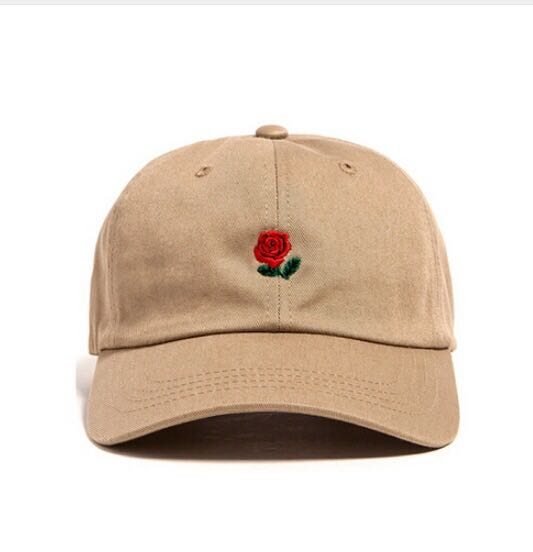 Beige baseball cap with rose