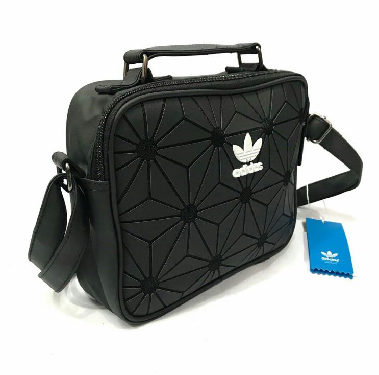 dfe99fb16a07 FREE POSTAGE!! Adidas Sling Bag 3D