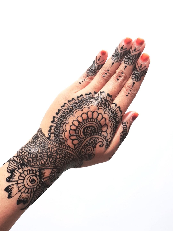 Henna Mehndi Inai Hair Raya Festive Wedding Bridal Design Craft
